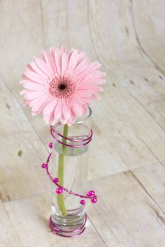 A great Valentines Day gift for your daughter, sister, girlfriend or Mother.  Pink Daisy. The Flower Valet | Valentine's Day