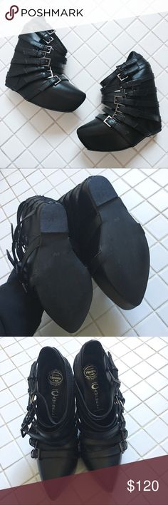 Jeffrey Campbell Zip2 Black leather ankle boots Excellent condition, worn a few times. Minor scuffs. Fits true to size. Retail price $200. Jeffrey Campbell Shoes Ankle Boots & Booties