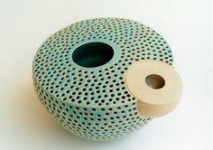 RŪTA ŠIPALYTĖ ..... keramika / ceramics: Iš ciklo DVISIENIAI / From the series DOUBLE WALLED
