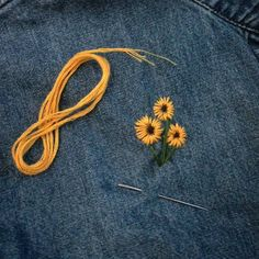Upcycled Clothing 728668414696555806 - Embroidered Embroidery Embroiderart Flowers Embroideredflowers Yellow Sunflower Source by Simple Embroidery Designs, Embroidery Flowers Pattern, Cute Embroidery, Vintage Embroidery, Embroidery Stitches, Jean Embroidery, Embroidered Flowers, Machine Embroidery, Diy Broderie