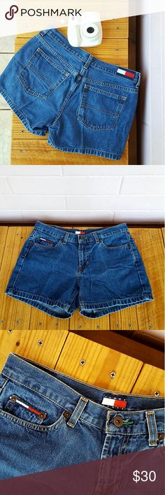 "SIZE 5 TOMMY HILFIGER AUTHENTIC KELLY JEAN SHORTS -authentic blue kelly jean shorts -zip fly button closure -5 pocket style -logo hardware -approx. 4"" inseam -100% cotton -waist: 26-27"" (size 5) -hip: 37-38"" -euc - plenty of life left -style# 0513852 -cut# 0244855-01 -ex date: 3/14/2003 -comes from a smoke-FREE & pet-FREE home Tommy Hilfiger Shorts Jean Shorts"