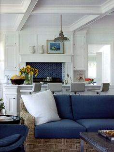 CASUAL, COZY AND BLUE   Mark D. Sikes: Chic People, Glamorous Places, Stylish Things Vicente Wolf- Veranda