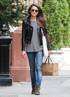3 Ways To Wear A Striped Tank Top: Keri Russell With A Leather Moto Jacket, Distressed Skinny Jeans And Brown Suede Boots #style #fashion #celebritystyle
