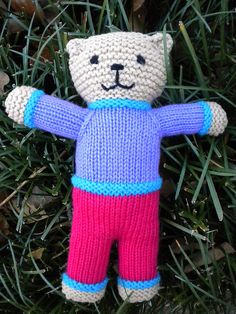 Ravelry: meilynne's Mother Bear Knitting Bear, Teddy Bear Knitting Pattern, Knitted Teddy Bear, Knitted Cat, Crochet Teddy, Crochet Bear, Knitted Dolls, Beginner Knitting Patterns, Knitting Machine Patterns
