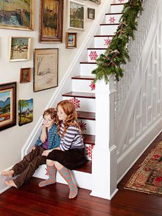 red snowflakes on stairs - Family Circle via @Remodelaholic