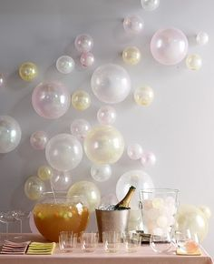 #diy balloon backdrop decor. Champagne bubbles!! how creative and easy to do . Great for a glam party or bridal shower.