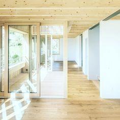 #einfamilienhaus #holzbauweise #wermatswil #kontextuell #denkmalschutz #filterschicht #swissarchitecture #wood Swiss Architecture, Divider, Room, Furniture, Home Decor, Bedroom, Rooms, Interior Design, Home Interior Design