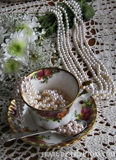 Old Country Roses fine china teacup and pearl necklace Pearl Jewelry, Pearl Necklaces, Pearl Bracelets, Pearl Rings, Geek Jewelry, Jewelry Bracelets, Fashion Jewelry, Pearl And Lace, My Cup Of Tea