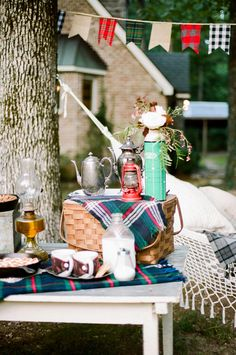 Ruffled - photo by http://jennahenderson.com/ - http://ruffledblog.com/campfire-wedding-inspiration/ | Ruffled