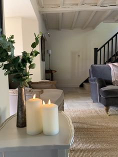 Beautifully finished luxury holiday cottage to rent Cottage Hallway, Country Cottage Living Room, Cottage Lounge, Country Cottage Interiors, Country House Interior, Home Living Room, Country Decor, Cotswold Cottage Interior, Modern Cottage Decor