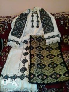 catrinte banat - Google Search Romania, Plaid Scarf, Textiles, Traditional, Popular, Costumes, Blouse, Google Search, Vampires