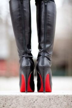 Christian Louboutin boots - LOVE the red soles! Louboutin Boots, Christian Louboutin Shoes, High Heel Boots, High Heels, Boots Talon, Wendy's Lookbook, Mode Glamour, Shearling Jacket, Red Bags