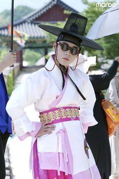 Image may contain: one or more people and people standing Flower Crew, Cho Chang, Korean Shows, Korean Hanbok, Korean Artist, Actor Model, Prince Charming, Korean Actors, Korean Dramas