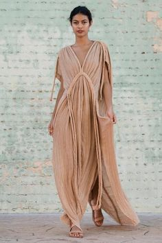 Masterfully handcrafted and draped in a Grecian technique to evoke the goddess within. Cotton Gowns, Athena Goddess, Quoi Porter, Mode Boho, Fashion Outfits, Womens Fashion, Trendy Outfits, Fashion Tips, Boho Chic