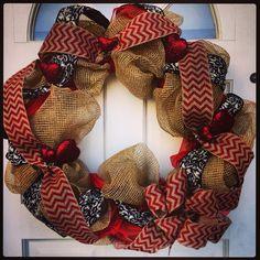Valentines Day wreath. DIY deco mesh chevron hearts burlap
