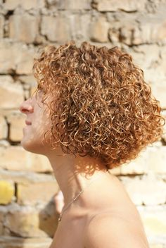 perfect permed bob style Tight Curly Hair, Short Hair Dos, Tight Curls, Curly Bob, Short Hair Styles, Medium Permed Hairstyles, Curled Hairstyles, New Perm, Shoulder Length Hair