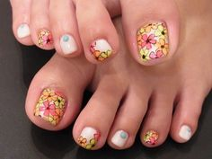 Such a groovy pattern! Pedicure Designs, Manicure E Pedicure, Toe Nail Designs, Nail Polish Designs, Cute Toe Nails, Fancy Nails, Toe Nail Art, Pretty Nails, Pretty Toes