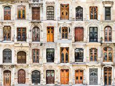 André Vicente Gonçalves documenta centenas de portas e janelas ao redor do mundo,Portas da Espanha. Imagem © Andre Vicente Goncalves