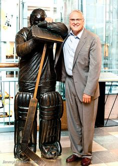 Ken Dryden and his Bronze at Place Montreal Trust Montreal Canadiens, Mtl Canadiens, Hockey Goalie, Hockey Games, Ice Hockey, Funny Hockey Memes, Ken Dryden, Statues, Montreal Ville