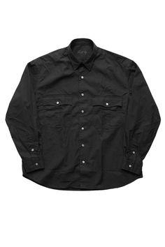 Porter Classic - ROLL UP SHIRT - BLACK Porter Classic《ロールアップシャツ》ブラック 肩肘が張らないリラックスシルエット。最高の着心地を保証。ポータークラシックが誇る春夏の大人気シリーズロールアップシャツ。最上級綿スピンゴールドを使用。説明無用のポータークラシックのロールアップストライプシャツ。