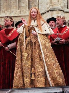 Cate Blanchett in Elizabeth - 1998 Elizabeth Movie, Elizabeth The Golden Age, Elizabeth 1998, Queen Elizabeth, Elizabethan Fashion, Tudor Fashion, Elizabethan Era, Historical Costume, Historical Clothing