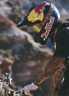 As a beginner mountain cyclist, it is quite natural for you to get a bit overloaded with all the mtb devices that you see in a bike shop or shop. There are numerous types of mountain bike accessori… Downhill Bike, Mtb Bike, Road Bike, Mountain Biking, Freeride Mtb, Montain Bike, Motorcross Bike, Bike Photography, Motorcycle Outfit