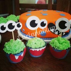 #festa #festas #party #festaemcasa #festejar #ideias  #festapersonalizada #scrapfesta #scrap #artesanal #feitopormim #cores #festejando #lucianabluz #homemade #handmade #kidsparty #festejar #decor #decoracao #decorando #festas #azul #blue #bolo #cake #cupcake #monstrinhos #temamonstrinho #monstrinhosdivertidos #verde #amarelo #carinha #boca #olhos #monstrinho #halloween #festainfantil #festanaescola