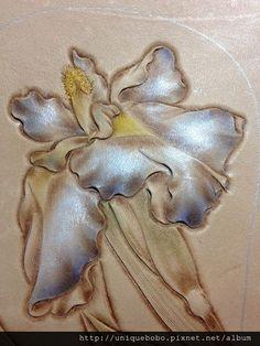 素 - 荷花 @ 革格創作Leather Craft 皮革工藝革格皮雕 :: 痞客邦 PIXNET :: Leather Carving, Leather Art, Painting Leather, Leather Tooling, Leather Working Patterns, Leather Pattern, Leather Shorts, Orchids, Sketches
