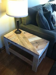 Intriguing diagonals I rarely see in upcyling pallet projects - brava!! 35 Upcycling Pallet Ideas - pallet slat side table...