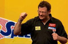 James Wade Dart World Matchplay 2012. http://dartworld.pl