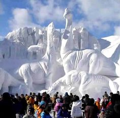 Amazing Ice Sculptures Art : Amazing Beautiful and Unique Snow Sculptures around the world Snow Sculptures, Art Sculpture, Geometric Sculpture, Modern Sculpture, Winter Schnee, Fairbanks Alaska, Ice Art, Ice Castles, Snow Art