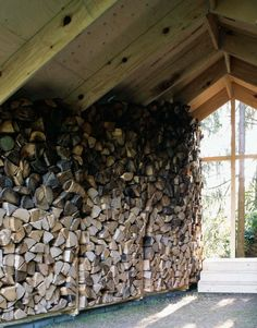Wooden Hut / Kawahara Krause Architects