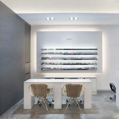 미용실 인테리어 스투디오올라 Modern Nail Salon, Nail Salon Design, Nail Salon Decor, Salon Interior Design, Beauty Bar Salon, Beauty Salon Design, Schönheitssalon Design, Futuristic Interior, Nail Room