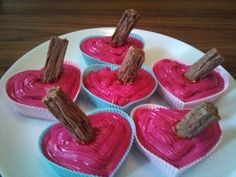 Buffy cupcakes with a stake! I WILL make these!