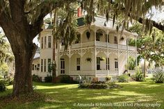 Ideas For House Colonial Exterior Porch Southern Living Beautiful Architecture, Beautiful Buildings, Beautiful Homes, Southern Architecture, Victorian Architecture, Southern Mansions, Southern Plantations, Antebellum Homes, Second Empire