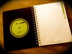 Libreta hecha de Vynil/LP/Acetato...un regalo con mucho carino para nuestros clientes para iniciar desde CERO!
