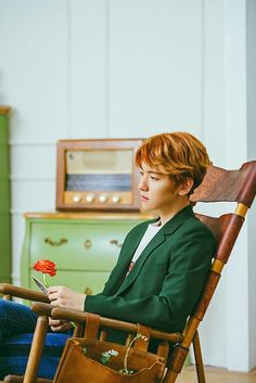 170405 EXO Vyrl update with Baekhyun (3/3) Cr. @SMent_EXO