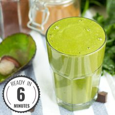 Easy and Healthy Spinach Banana Super Smoothie Min, Vegan) Banana Protein Smoothie, High Protein Smoothies, Green Smoothies, Going Vegetarian, Vegan Vegetarian, Vegetarian Recipes, Spinach Recipes, Avocado Recipes, Vegan Chow Mein