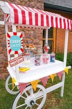 Carnival Candy Cart Printables Candy Bar Sign by SunshineParties - Grab the full set! Carnival Party Decorations, Carnival Signs, Carnival Themed Party, Carnival Birthday Parties, Circus Birthday, Birthday Party Themes, Carnival Booths, Carnival Ideas, Homemade Carnival Games