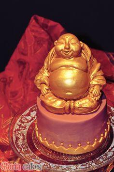 Buddha of Wealth Cake www.facebook.com/GloriaCakes www.GloriaCakes.com #BuddhaofWealthCake #BuddhaofWealth #BudadelaAbundancia #IndianCakes #India #goldcakes #Buddha #Buda #cakedesign #fondant #cakes