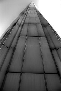 Fernando Zaccaria, 2001, Infinite, WTC,  stampa giclèe su carta carta cotone, cm 48 x 68, dalla serie New York City Sept. 10th, 2001-2012.