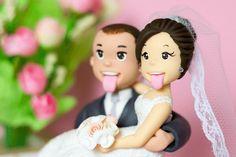 A maior preocupação da noiva para o grande dia é que tudo esteja exatamente do jeito dos noivos, com a cara deles e que tudo saia como planejado. A igreja, a música, o vestido, a cerimônia, a decoração e até o cardápio tem que demonstrar o jeito dos noivos. Uma das coisas mais importantes é …