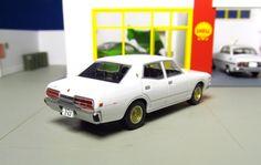 Rear back view Seibu keisatsu tomica limited vintage Nissan Cedric white