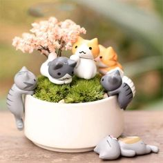 Cute Mini Cat Decorations 6 Pieces