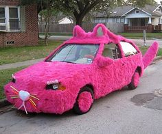 glitzalicious ♥s this pin of a Pink cat car! This can't be real! Pillos, Weird Cars, Crazy Cars, Pink Cat, Cute Cars, Everything Pink, Mood Pics, Car Humor, My Ride