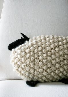 Bobble Sheep Pillow By Purl Soho - Free Knitting Pattern  and more free pillow knitting patterns at http://intheloopknitting.com/pillow-knitting-patterns/