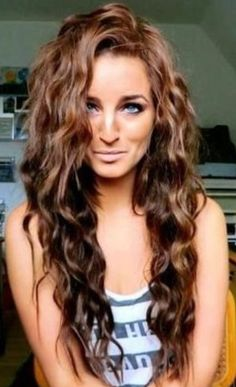 The waves in her hair are perfect.
