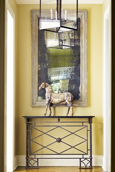 Make your entryway simple // Foyers