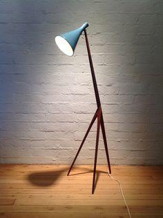 Wicked giraffe light, protogenitor of the Pixar desklamp? Repinned from midcenturia website, data as follows:   Swedish floor lamp, 1960s. via A la Mod