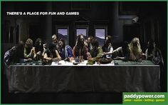 A blasphemous copy of the Last Supper to advertise some online gambling website. Casino Bet, Popular Paintings, Religious People, Image Memes, Cultural Appropriation, Best Ads, Online Gambling, Last Supper, Humor Grafico